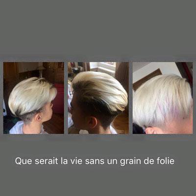 Blond polaire et mèche pastel