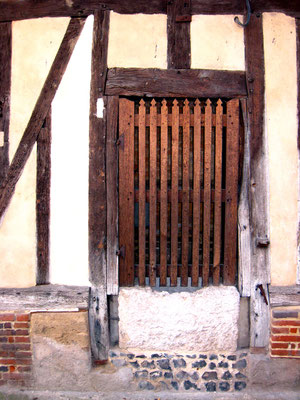 photo 4 : puits de façade dans la petite rue Odet de Chatillon à Marissel