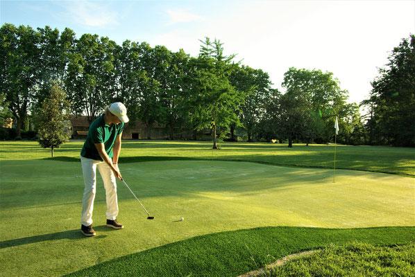 Practice de Golf au Château de Poudenas