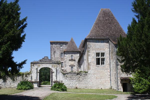 Château de Born à Saint Eutrope de Born près de Villeréal