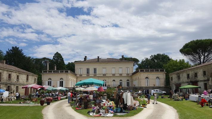 Deuxième édition du vide-grenier au Château de Boisverdun à Tombeboeuf
