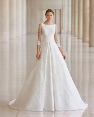 Modernes Brautkleid unserer Atelier Kollektion im Prinzessinnen -Stil.