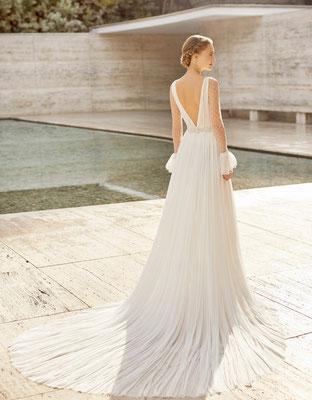 Brautkleid aus der Rosa Clara Couture Kollektion. Exklusiv in Dresden.
