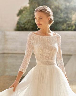 Brautkleid mit langen Ärmeln im modern Vintage Style.