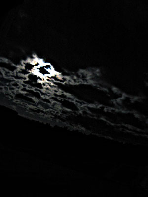 Mond Vollmond Wolken Nacht nervenkeks