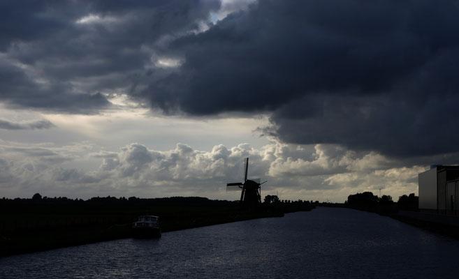 Holland Friesland Hausboot Fluss Windmühle Wolken Weite nervenkeks fotografie WG Urlaub