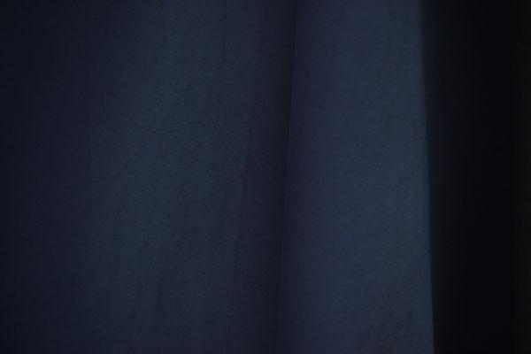 sonnenschirm alt blau verblichen