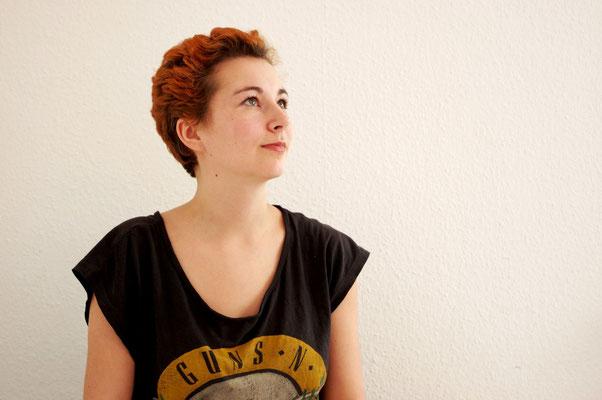 Britta nervenkeks Selbstporträt Fotografie 2016 neue kurze Haare ohne Dreads
