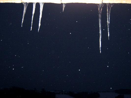 Eiszapfen Regenrinne Winter Schneefall schneien nervenkeks
