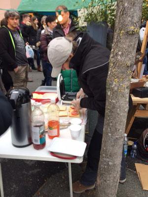 Toast und Punsch waren heiss begehrt