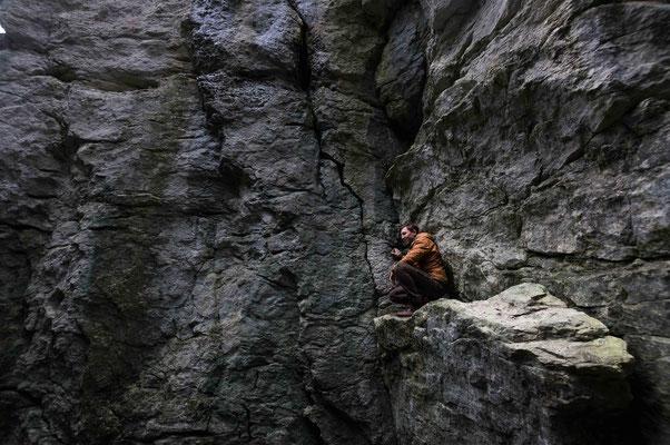 In der Felswand; Höllenlöcher Dettingen a.d. Erms