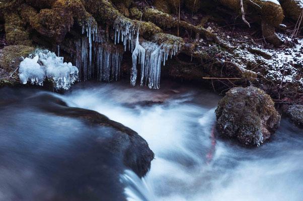 Gefrorenes Wasser; Wasserfall Bad Urach