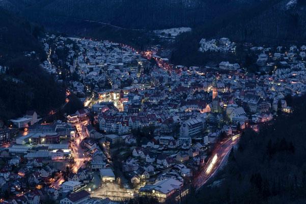 Kalte winterliche Nacht; Burg Ruine Hohen Urach
