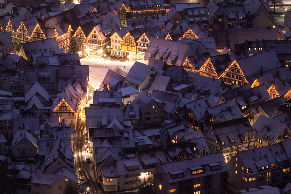 Winterlicher Marktplatz; Bad Urach