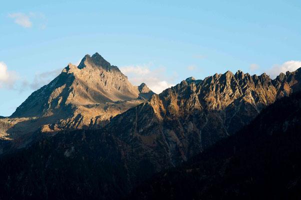 Leuchtende Berg Spitze; Garschurn Motafon