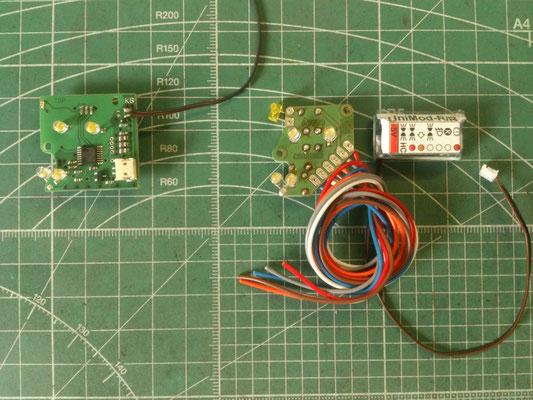 従来のヘッドライトモジュールもKingbusシステムにできるアンプが用意されています。