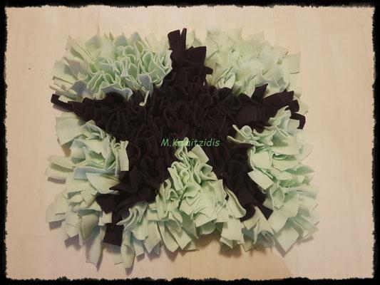 Motiv: Stern - Größe M - Dunkellila auf Mintgrün