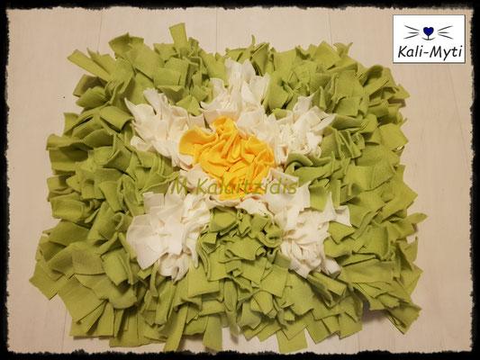 Motiv: Blume - Größe M - Gelb/Weiß auf Apfelgrün