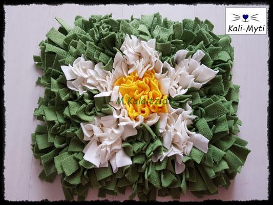 Motiv: Blume - Größe M - Gelb/Weiß auf lindgrün