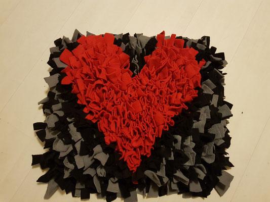 Motiv: Herz - Größe L - Rot auf Grau/Schwarz