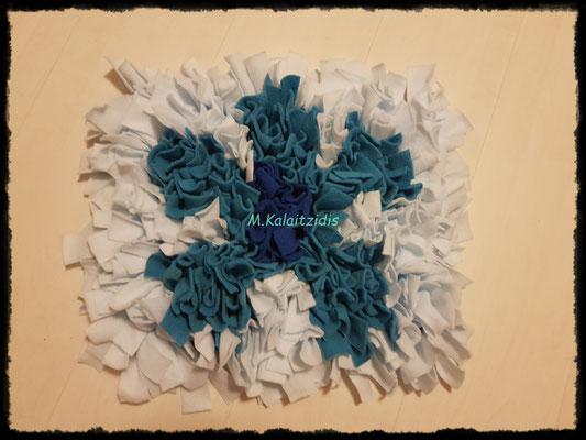 Motiv: Blume - Größe M - Blau/Türkis auf Eisblau