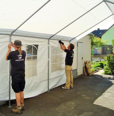 Wir haben Pavillons in verschiedenen Größen, die wir auf Wunsch auch gern für Sie aufbauen
