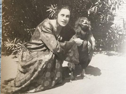 Grossmutter mit dem Hausadler