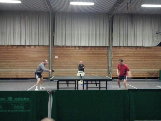 Ecki und Kai spielten in der Trostrunde den Finalgegner gegen Besim aus