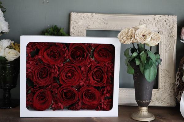 プロポーズの花束の一部を保存できるように加工 ウェルカムボードとしても使えるように  プリザーブドフラワー専門店 GREEN'S TALE
