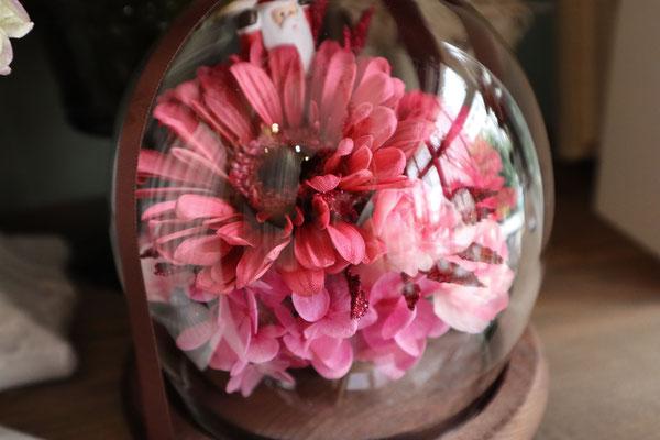 彼がはじめてプレゼントしてくれた生花をプリザーブドフラワーに加工 ガーベラ カーネーション プリザーブドフラワー専門店 GREEN'S TALE