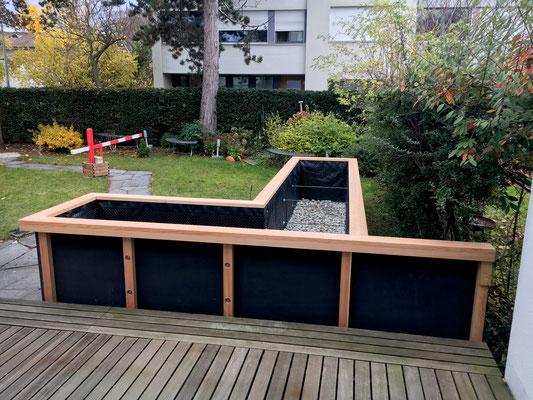 Blick vom Sitzplatz in den Garten