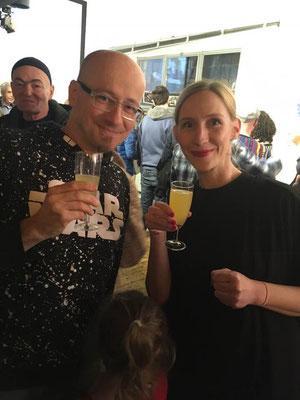 Helmut »Dino« Breneis gratuliert Carina Lindmeier