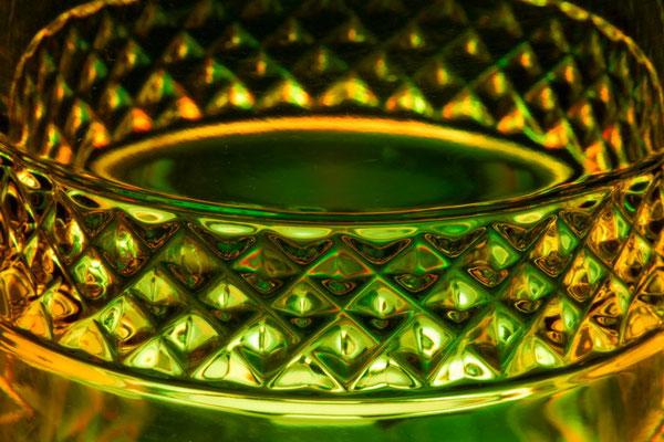 """Détail verre à thé ou café """"Marco polo"""", cristallerie royale de champagne."""