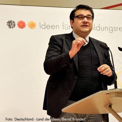 """Laudatio zur Auszeichnung des Projekts """"Ein Quadratkilometer Bildung"""" in Berlin durch die Initiative """"Land der Ideen"""""""