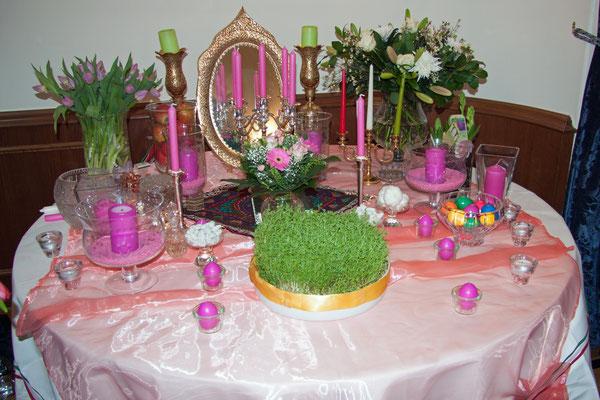 Wunderschön – der Haft Sin, Symbol des Nowruz-Festes, anlässlich des 5-jährigen Jubiläums