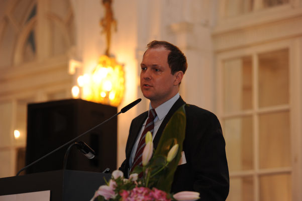 Diplom-Geograph Stefan Kurzmann gilt als ausgewiesener Usbekistan-Kenner und warb insbesondere für Investitionen im Bereich der Lebensmittelverarbeitung