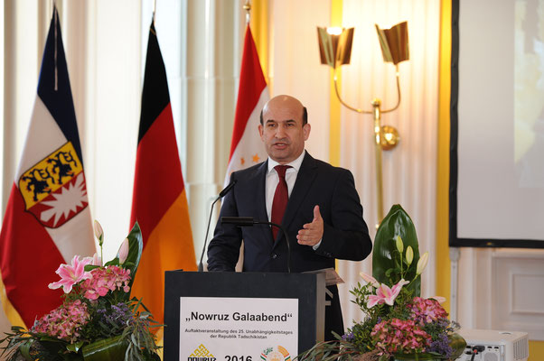 Galaabend-Eröffnung mit Ansprache S.E. Maliksho Nematov, Botschafter der Republik Tadschikistan