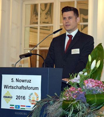 Eduard Kinsbruner, Regionaldirektor für Zentralasien beim Ost-Ausschuss der Deutschen Wirtschaft in Berlin, verwies in seinem Grußwort auf die enormen Potentiale in den Nowruz-Ländern für den deutschen Mittelstand, vor allem im Bereich Erneuerbare Energie