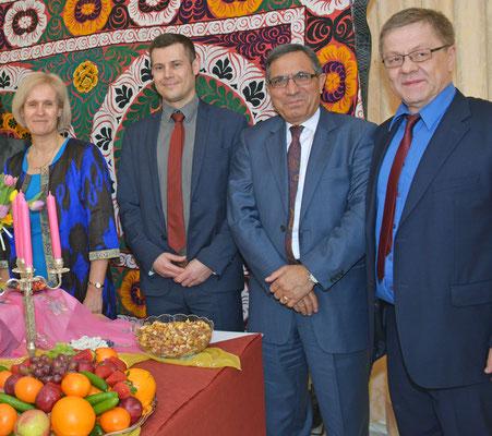 Die Referenten (v.l.): Kristin Laabs (KfW, Duschanbe)  Eduard Kinsbruner (Regionaldirektor Zentralasien/Ost-Ausschuss der Deutschen Wirtschaft), Dr. Azgarkhel Mangal (MTS Mangal Transport & Shipping GmbH) und Dr. Hans-Joachim Siegert (SUE Tajinvest)