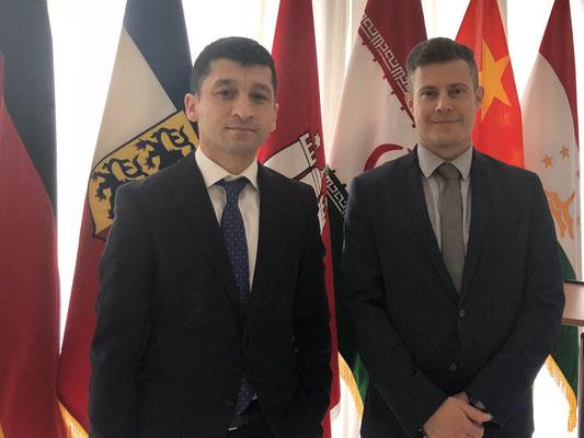 Der Zentralasienexperte Eduard Kinsbruner (r.) mit dem tadschikischen Rechtsexperten und Schiedsgerichtsbarkeitsfachmann Dr. Manuchehr Kudratov