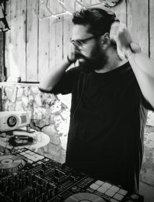Florio Martinez mit Technics Kopfhörer