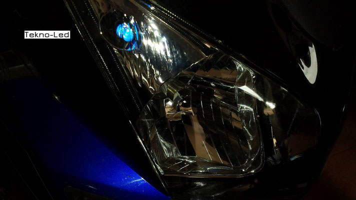 Suzuki V-Strom monta due Kit LED mod. TKLM3-H4/H6/H7