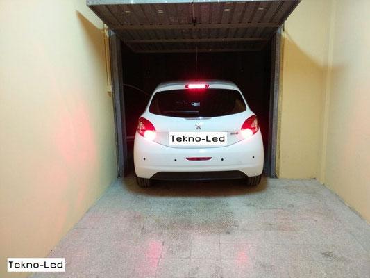 PEUGEOT 208 monta no.2 Lampadine LED TKLBA15S-30 – Rossa - Luce Stop