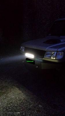 HYUNDAI Galloper monta una barra LED mod. CR 24X3