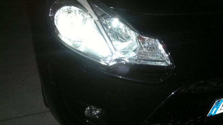 Citroen C3 monta un kit LED Auto mod. TKL9-H7 Upgrade + lampadine posizione LED mod. TKLT10-9