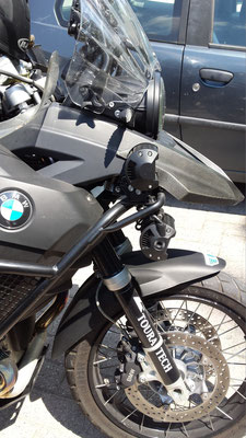 BMW 1200GS monta 2 Barre LED CF6x3 Profondità Sopra e 2 Barre LED CF6x3 Ampiezza Sotto