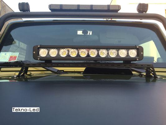 JEEP Wrangler JK monta una Barra LED mod. CR10x10 - COMBI