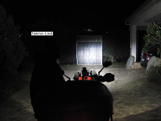 DUCATI 1098 monta 1 Kit LED Auto mod. TKL9-H11 CANBUS - 2 lampadine + 2 centraline - Fascio Abbagliante