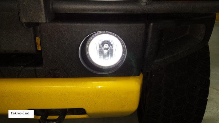 HUMMER monta un kit LED Auto mod. TKL9-H7-Canbus UPDATE (fendinebbia modificato con Angel Eyes) - dettaglio Angel Eyes Acceso