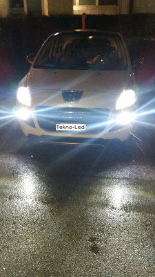 PEUGEOT 3008 HYBRID 4 monta un kit LED Auto mod. TKL9-H9 Ana/Abbagliante - Canbus - UPDATE + No.2 Lampadine LED mod. TKL-PSX24W-80W Fendinebbia